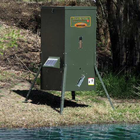 175 Lb Lake Pond Directional Fish Feeder With Adjustable Legs By Texas Hunter
