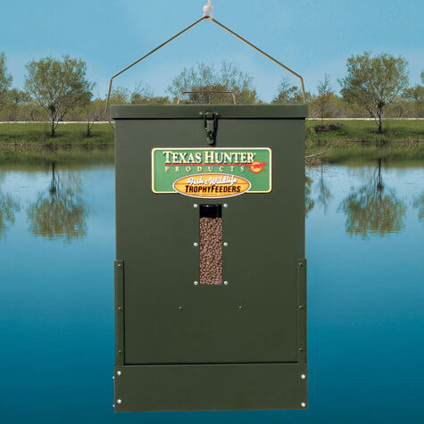 50 lb hanging semi directional fish feeder by texas hunter for Texas hunter fish feeder