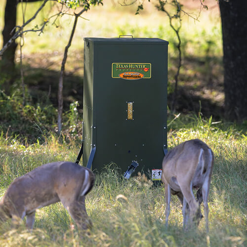 Texas Hunter 500 lb  Hideaway Stand and Fill Directional Deer Feeder