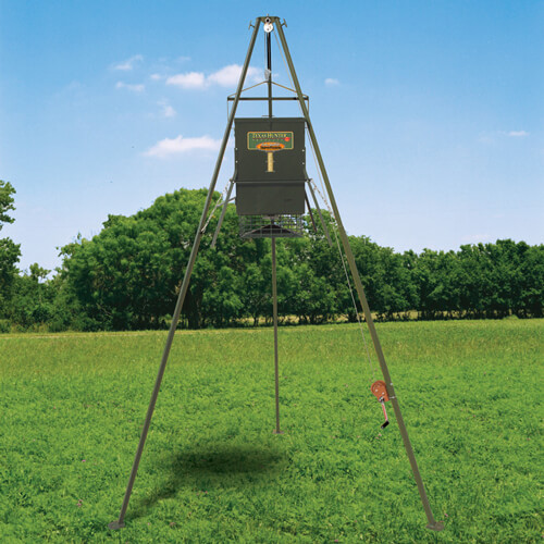 300 Lb Trophy Deer Feeder With Ez Lift System By Texas Hunter